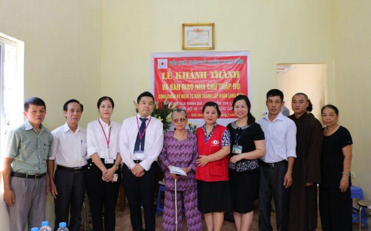 AEON MALL Long Biên tham gia trao tặng nhà tình nghĩa cho hộ nghèo quận Long Biên